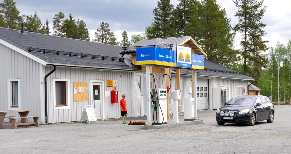 Gårdsbutiken försommaren 2013. Foto: Peter Schmitt